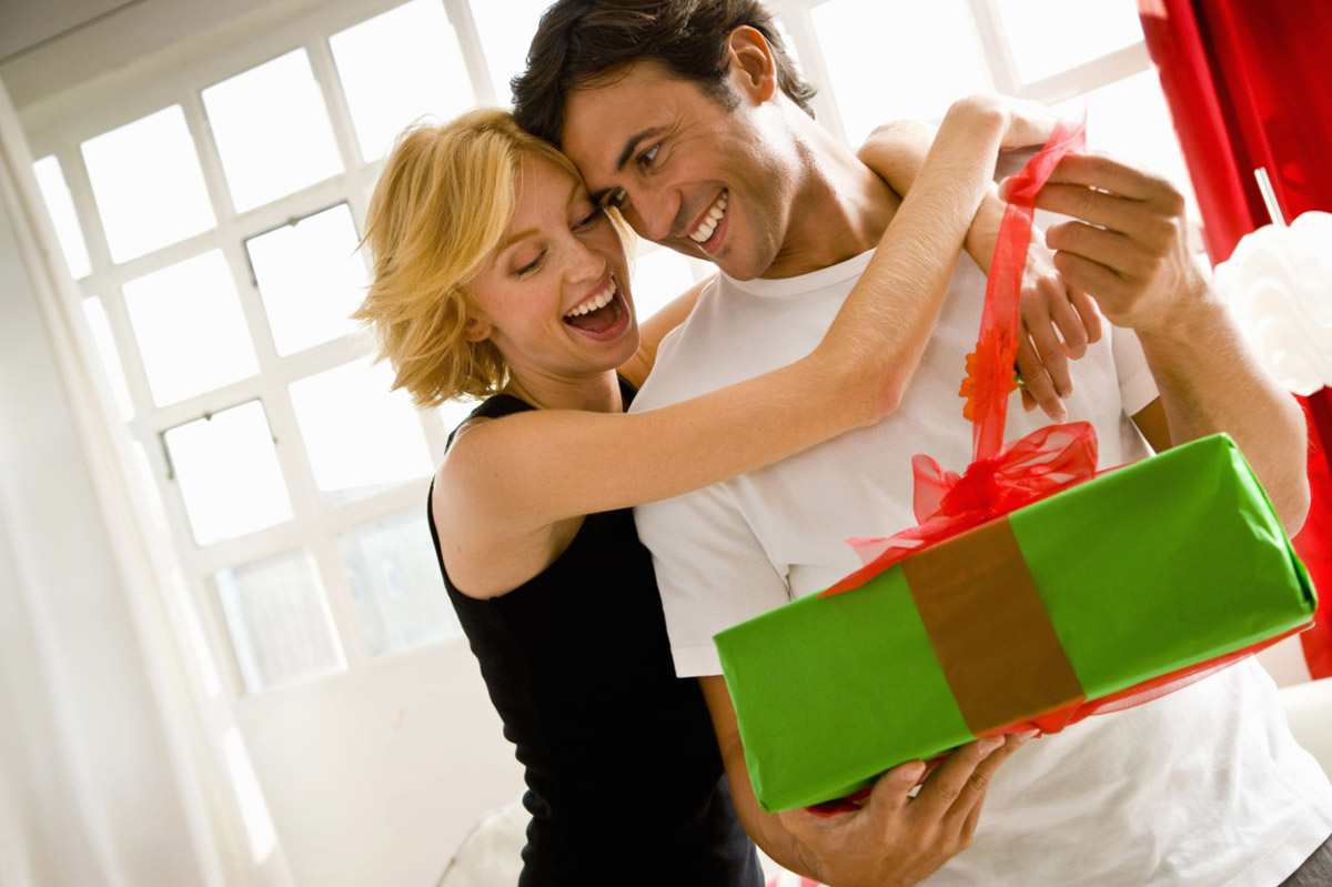 Дарят ли подарки на год знакомства